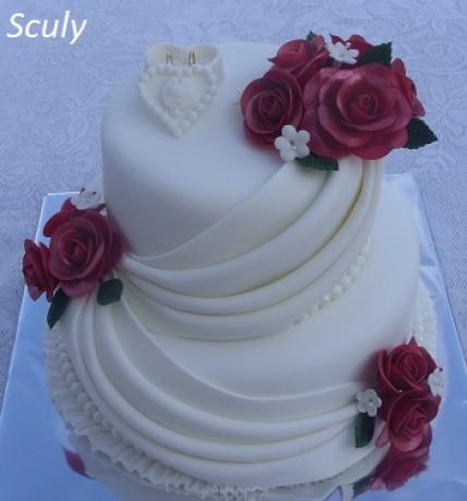 Torty - Sculy - Fotoalbum - Svadobné torty - svadobná s ružami